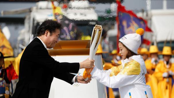 JO 2018  la flamme olympique est arrivée en Corée du Sud e4abca115f8