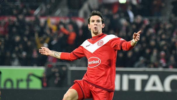 d69891a62a Bundesliga: Benito Raman offre la victoire à Düsseldorf en inscrivant un  doublé (vidéos)